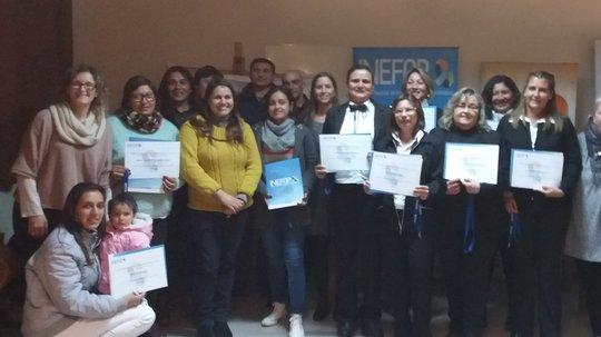 Entrega de certificados en San Javier, departamento de Río Negro
