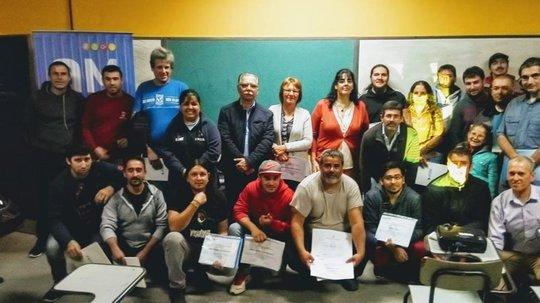 Alumnos de Aulas Móviles recibieron sus certificados en dependencias de LIFAN